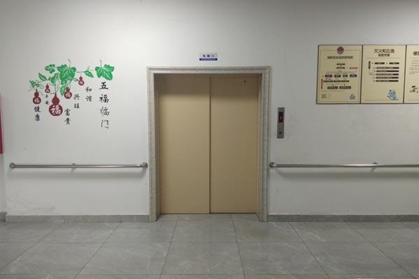 敬老院电梯