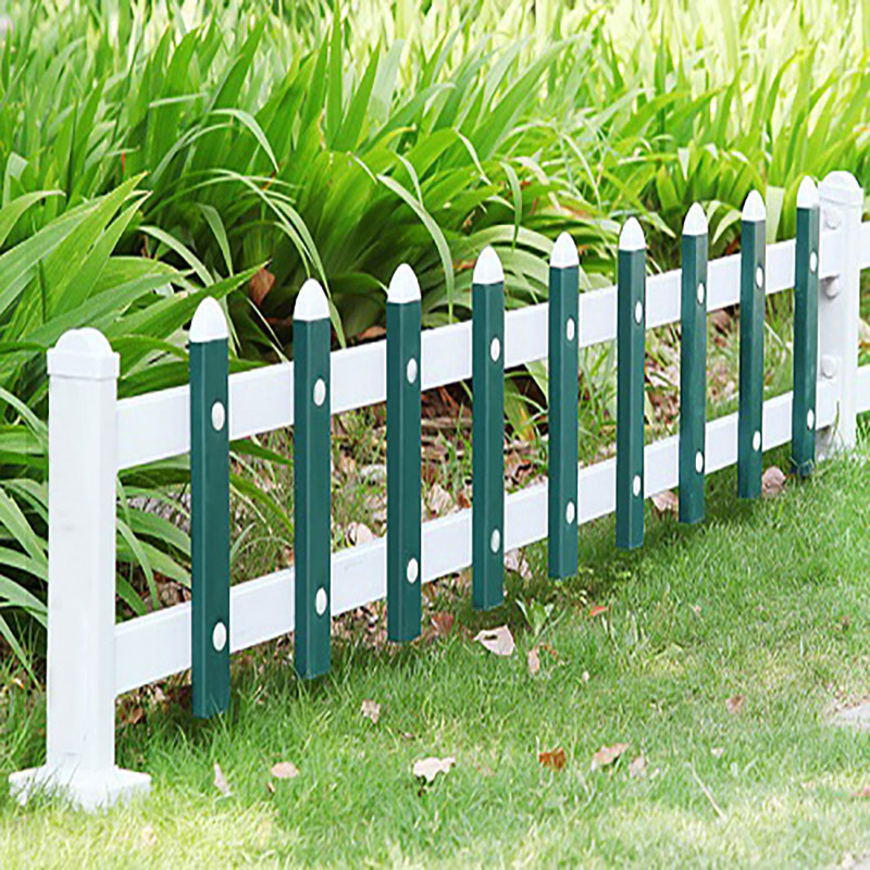 草坪护栏安装效果图