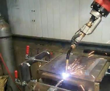 斗车焊接视频