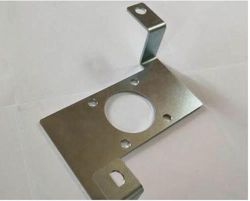 焊接加工中怎样预防变形