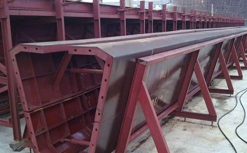 钢模板施工出现的问题