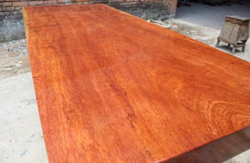 巴西花梨木质地如何?是制作家具的良品吗?