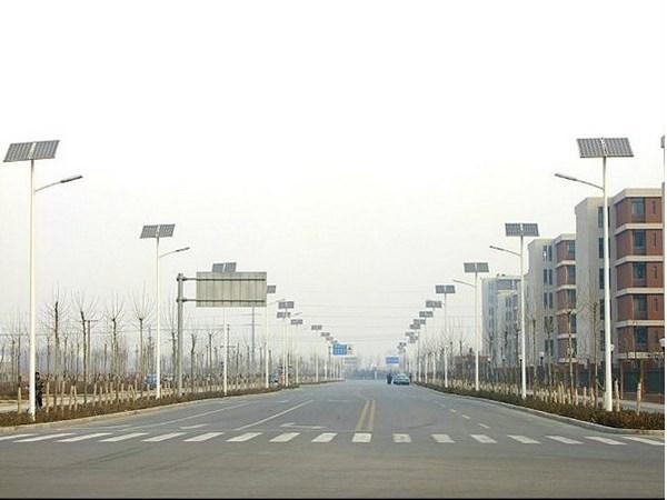 中华灯厂家分析为何太阳能灯比一般路灯价格高
