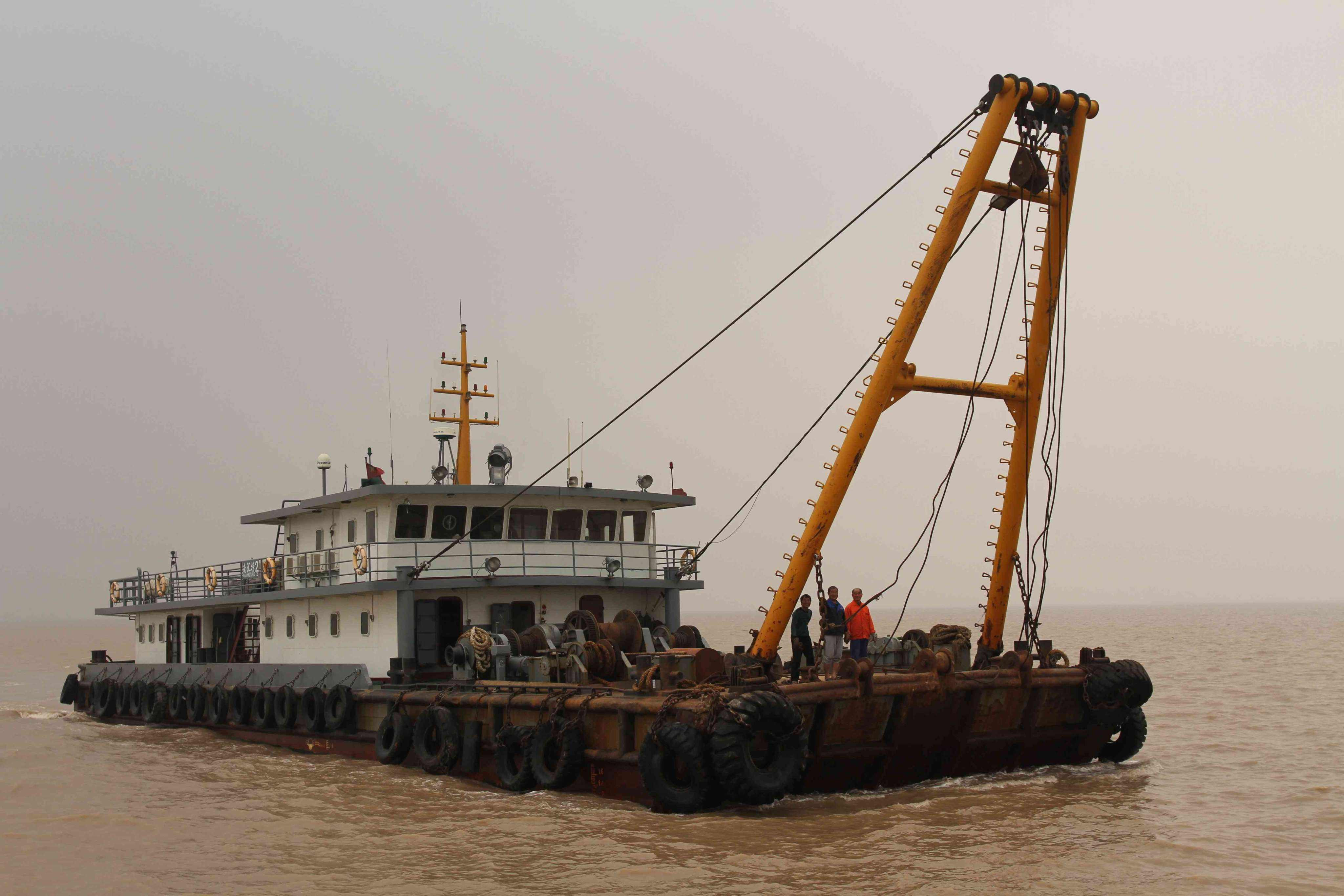 山西黄河工程施用船