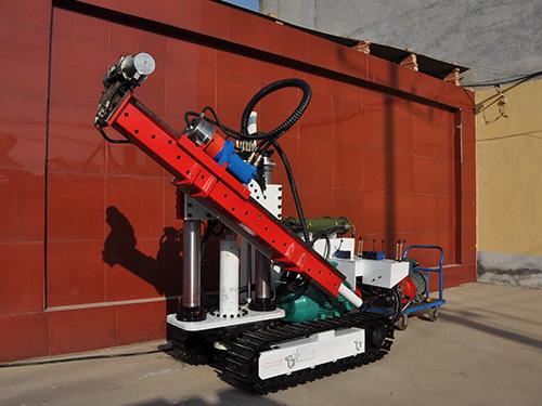 煤矿矿井履带式液压钻机