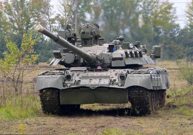 坦克有了这个装置,日常保养和维护只需要十分钟就可以完成