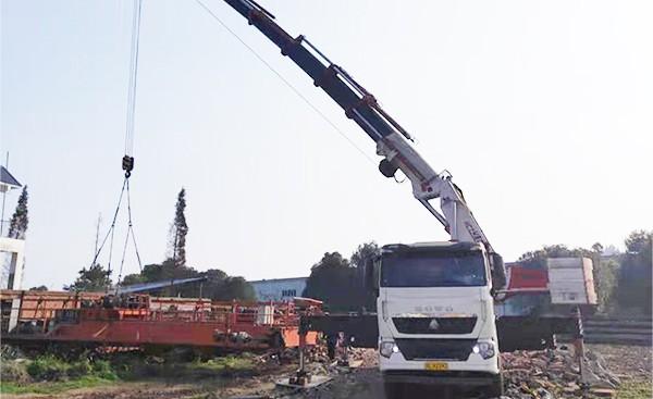 4500型150吨折臂吊车租赁