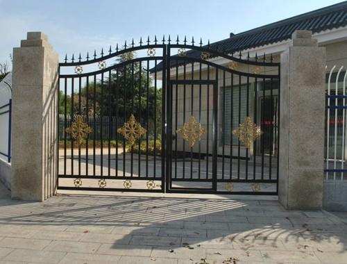 鐵藝大門注重的是藝術體現