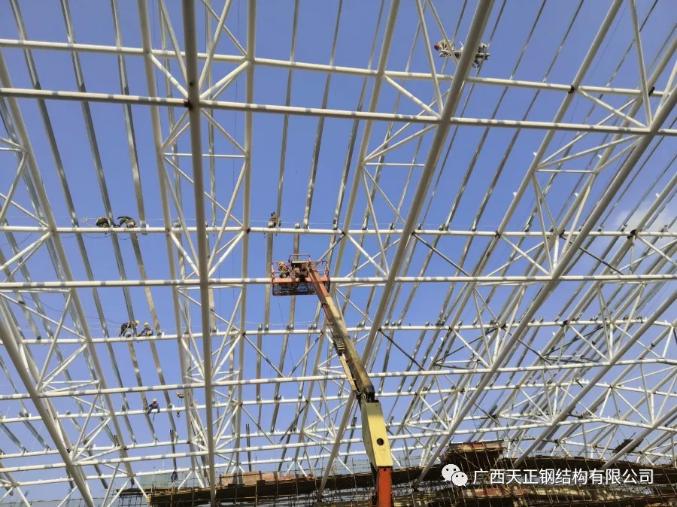螺栓球钢网架结构加工和安装环节几个注意要点