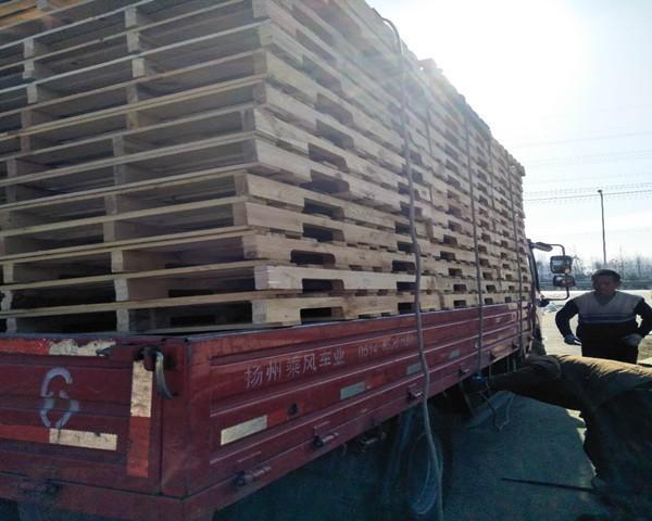 木托盘  尺寸0.9m×1.2m,四面好叉