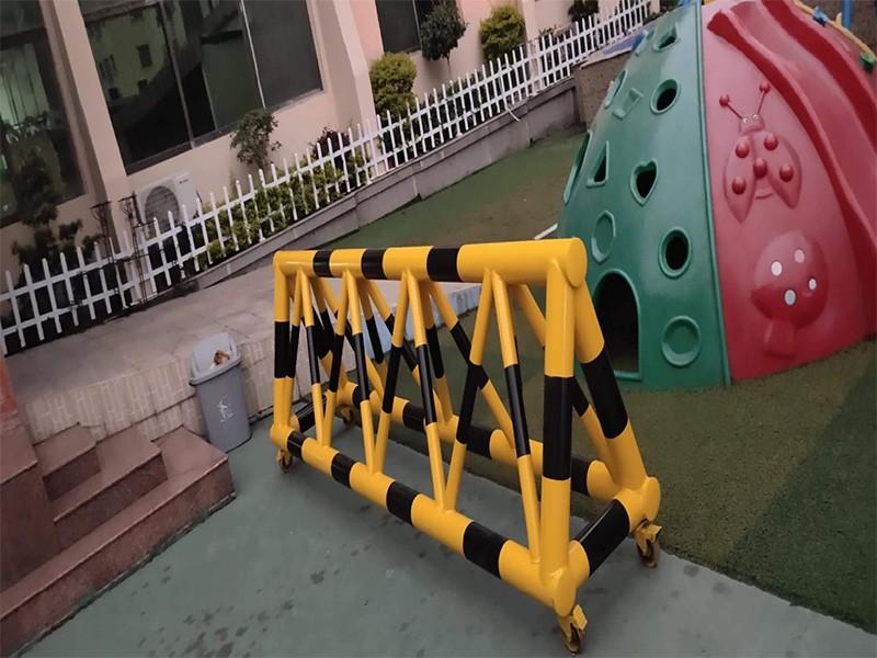 游乐场移动拒马护栏