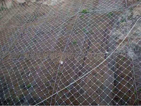 哪些因素會影響到主動防護網的施工進度