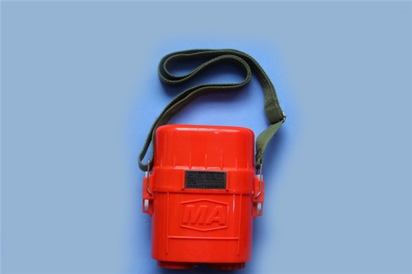 1 ZYX30压缩氧气自救器