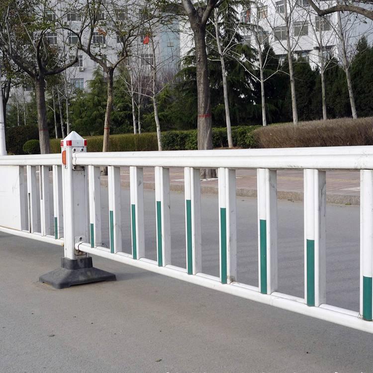 道路市政护栏的装置