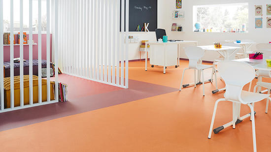 购买青岛塑料地板时,不能贪图便宜有几点需要注意