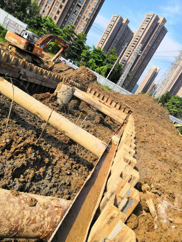 福州市城市轨道交通4号线一期工程第二标段拉森钢板桩施工