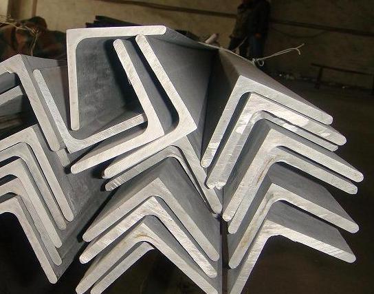西安不锈钢角钢工件酸洗前预处理的重要性