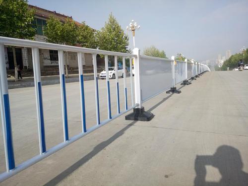 道路隔离护栏的优点