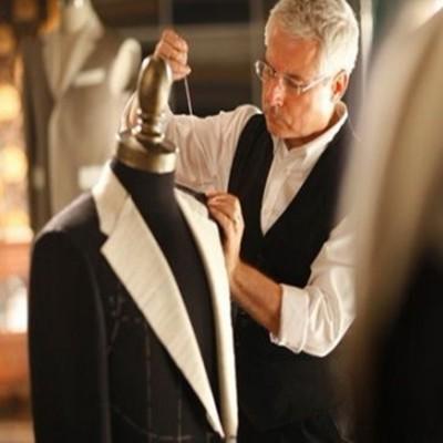 黑色条纹西服套装男