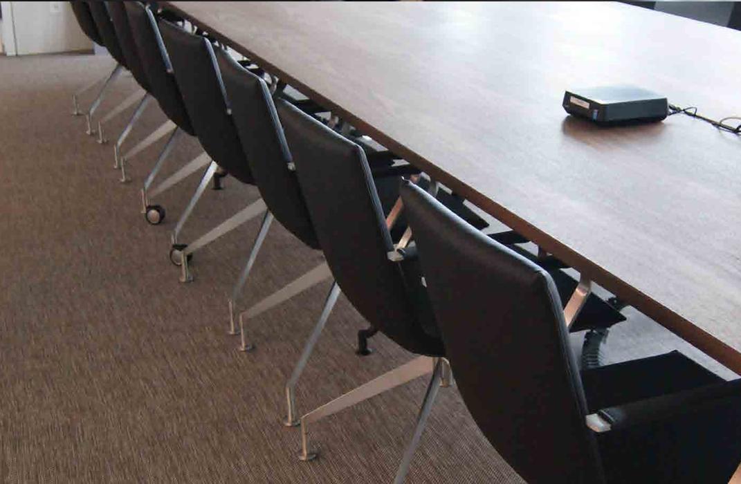青岛塑胶地板办公系统地面材料