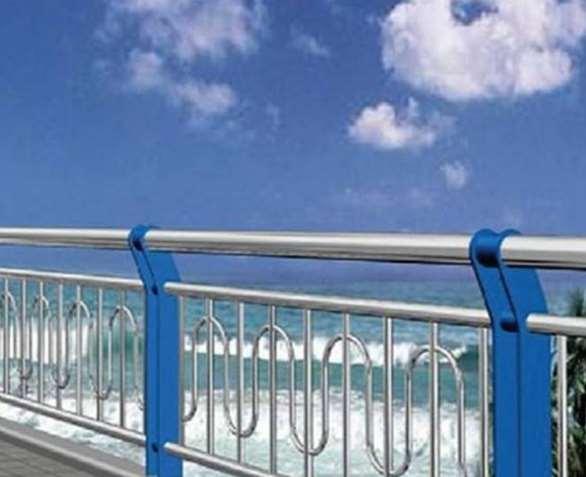 不锈钢栏杆更为实用