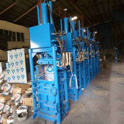 厂家推荐30T打包机 精密耐用日城液压打包机 油压驱动打包机批发