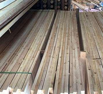 采用c型钢的建筑复合方木介绍