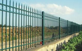 三橫欄圍欄