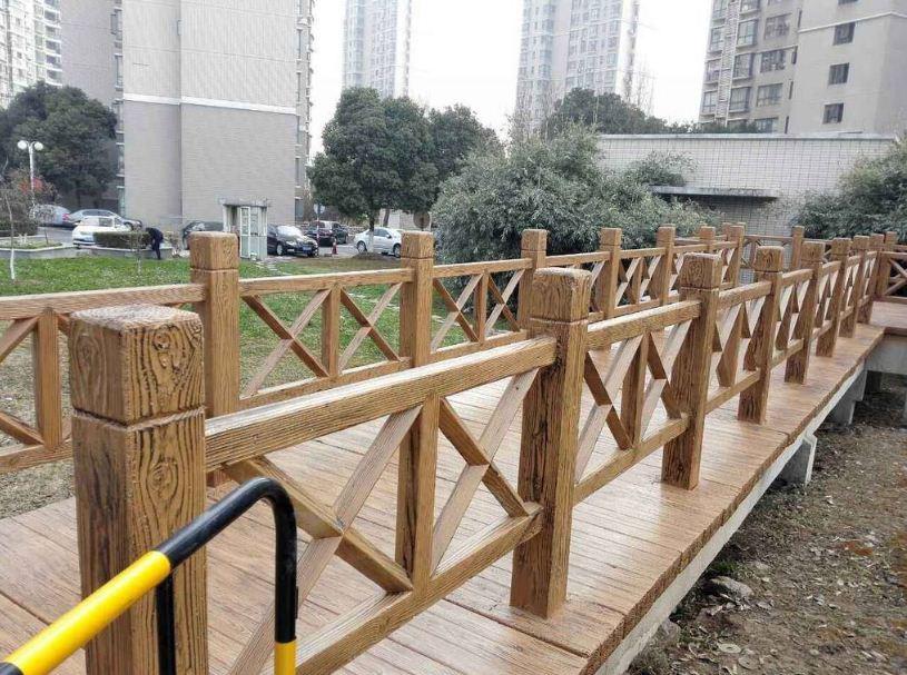 园林景观内的仿木护栏应该如何设计