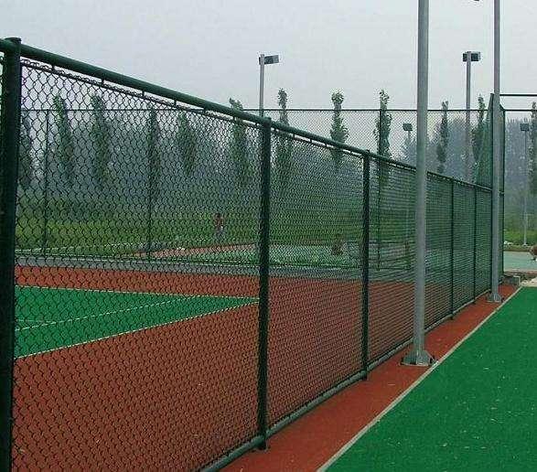 体育场护栏网的结构哪种更好?
