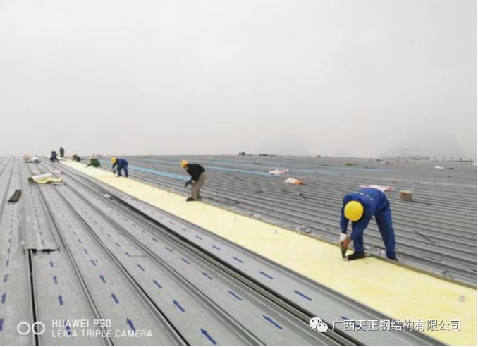 柳州大跨度屋面管桁架体育馆顺利完工