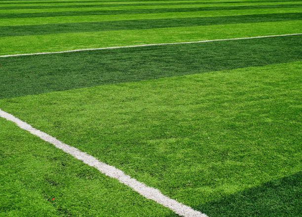 高尔夫练习场为何要应用人工草坪