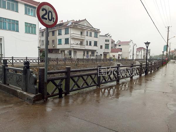 宣城某小区外仿木护栏.jpg