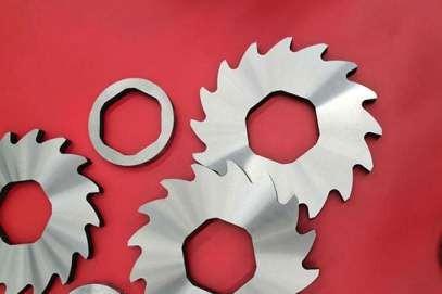 雙軸撕碎機刀片更換維修常識