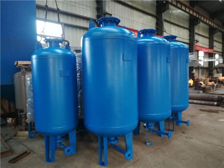 均匀补水保湿设备怎样选装补离心水泵和膈膜式气压罐