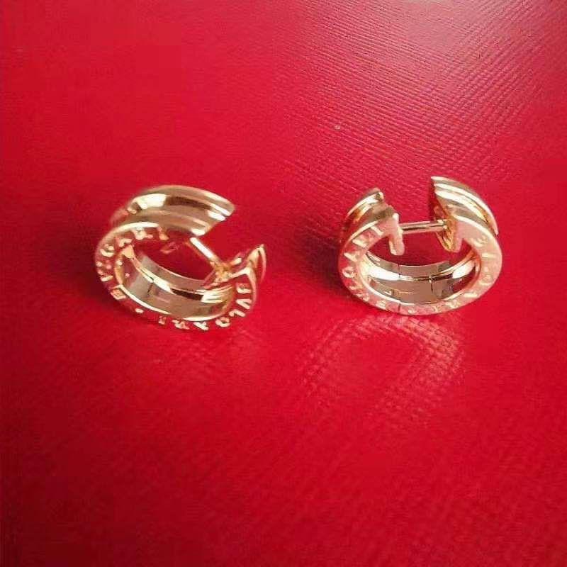 黄金女士耳环