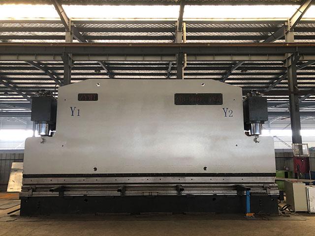 八米1000吨数控折弯机