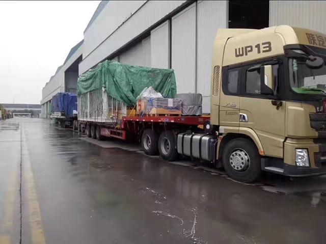超宽设备运输