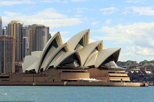 疫情期间,3万名中国留学生返澳