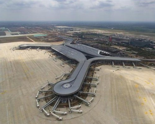 海南吊篮租赁工程一:海口美兰机场二期