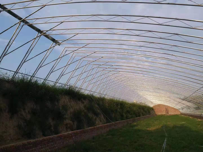 日光温室建设中覆盖材料的固定