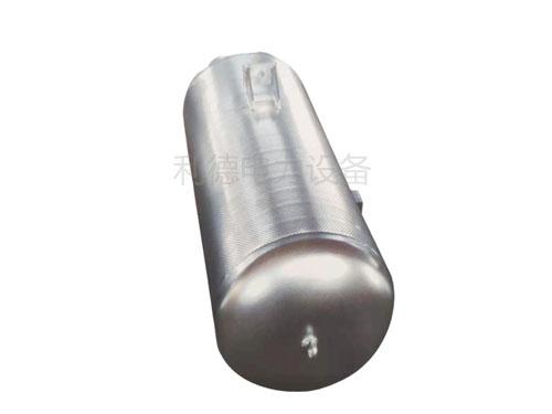 小孔型消声器