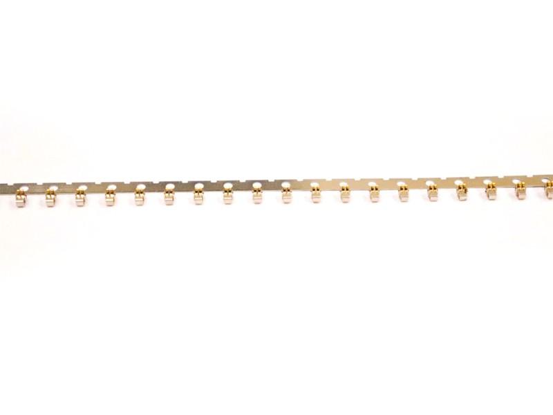 在垂直电镀上,为保证电镀时面铜的平均性及孔铜的效果