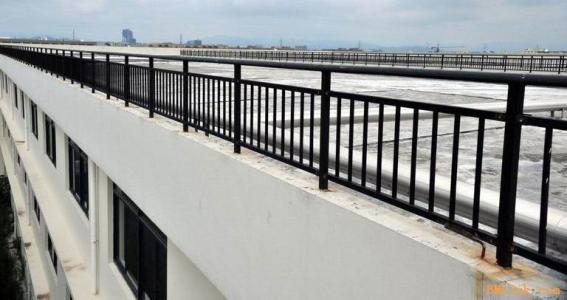 新型道路护栏的喷涂防腐才能