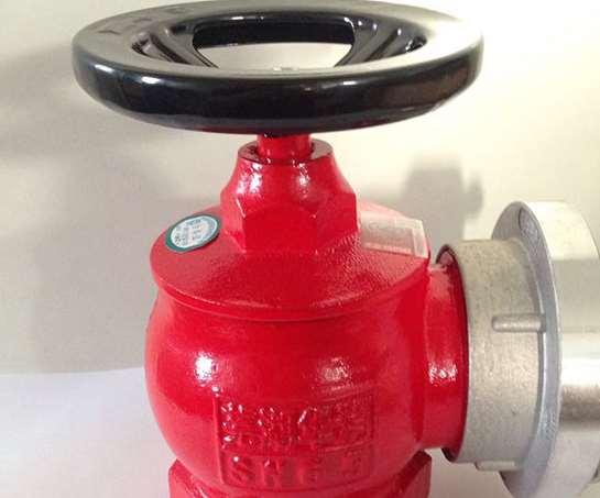 室内外消防栓周围几米内禁止放杂物