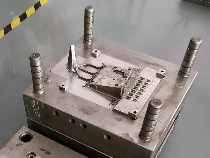 话筒座子压铸模具