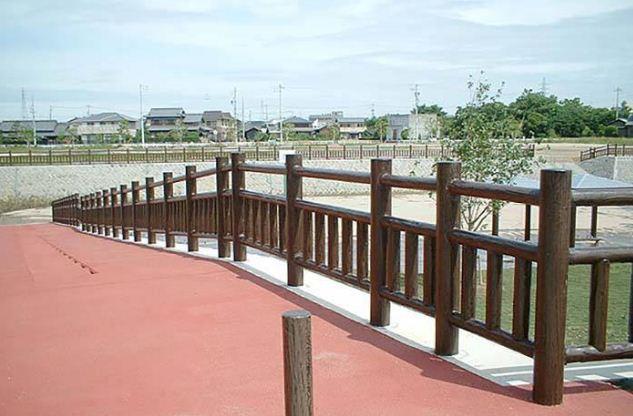 提倡使用仿木护栏的原因