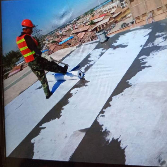 屋顶防水施工现场