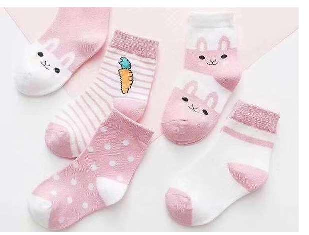 穿上防滑点胶袜 是不是就能防滑