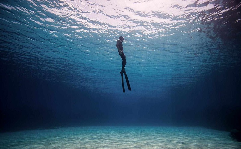 疫情期间的装备专家带你看看潜水中心是如何保养装备的